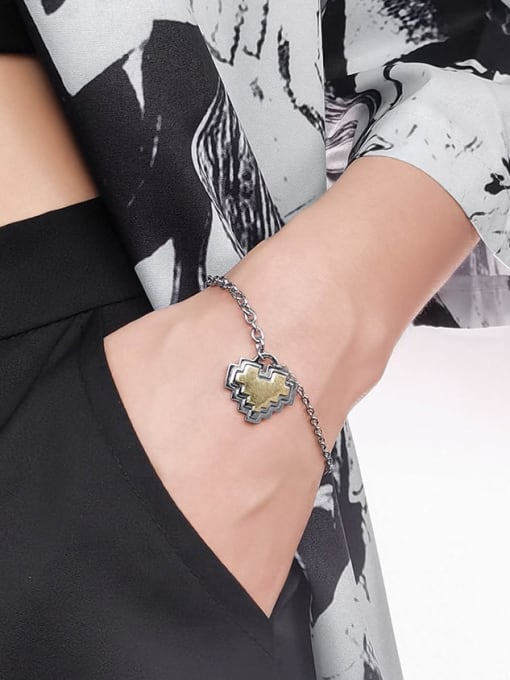 WOLF Titanium Steel Heart Hip Hop Link Bracelet 2