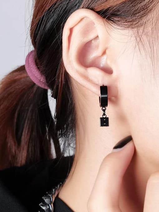 WOLF Titanium Steel Rhinestone Geometric Minimalist Huggie Earring( (Single) 1