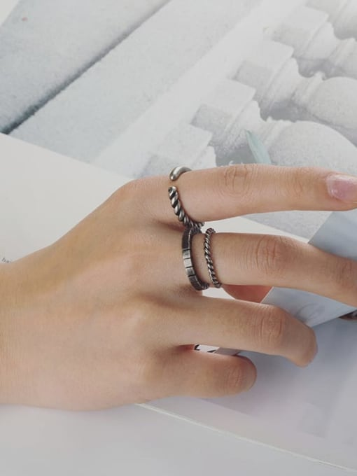 WOLF Titanium Steel Geometric Vintage Band Ring 4