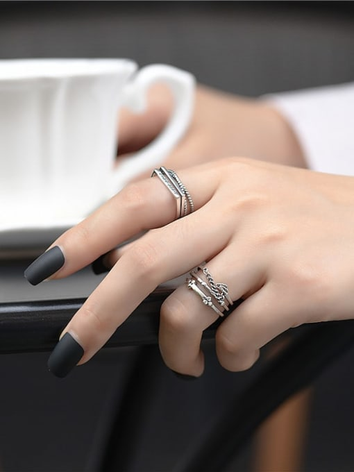 ARTTI 925 Sterling Silver Irregular Vintage Stackable Ring 1