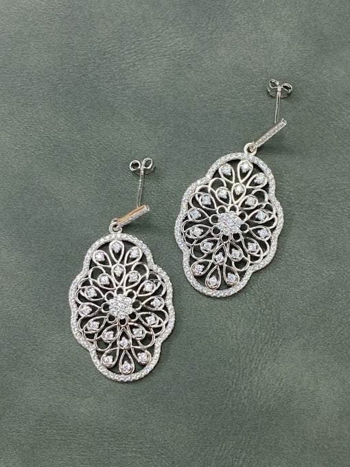 LM 925 Sterling Silver Cubic Zirconia Cluster Earring 0