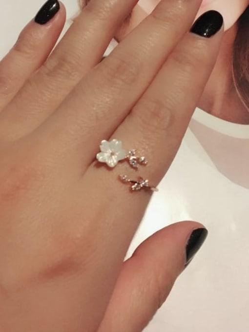 Ming Brass Resin Flower Minimalist Band Ring 1