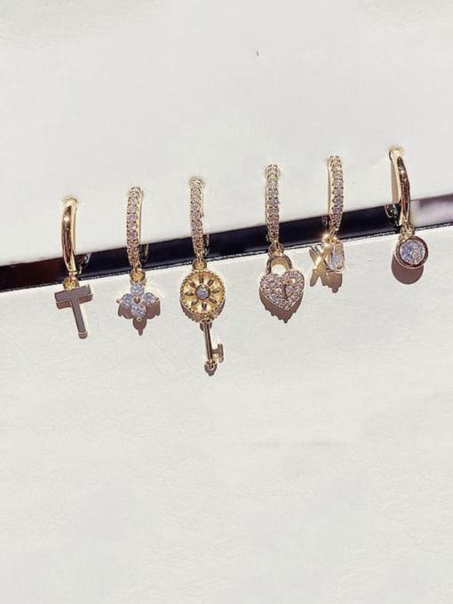 Ming Brass Cubic Zirconia Irregular Minimalist Huggie Earring 1