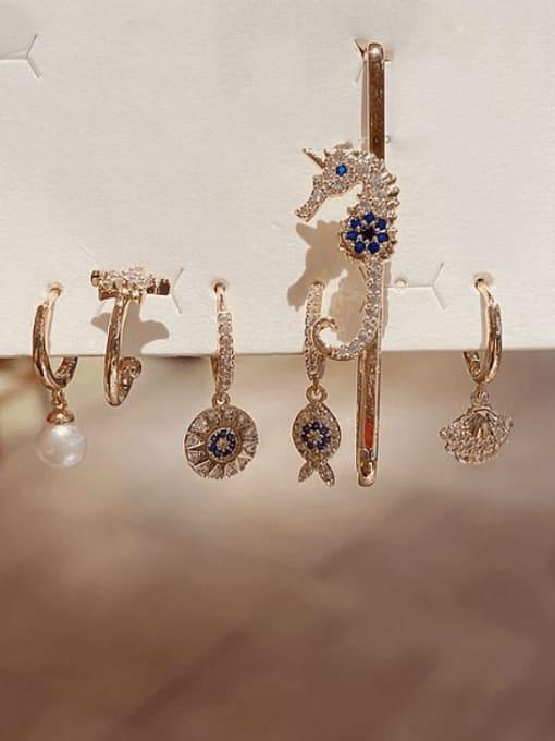 Ming Brass Rhinestone Irregular Bohemia Huggie Earring 1