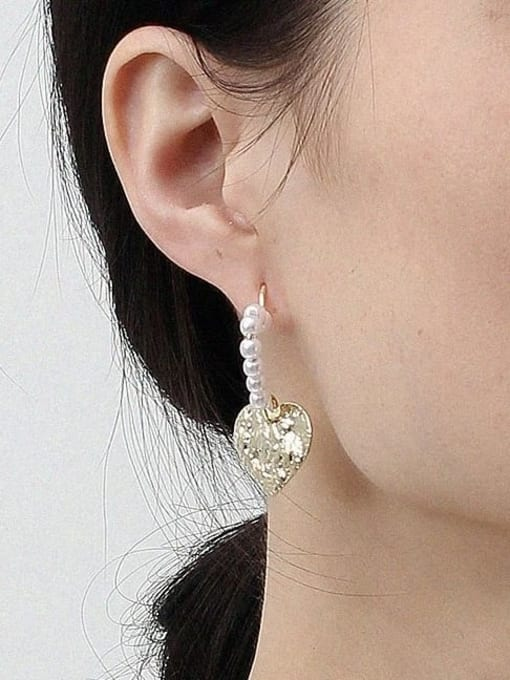 HYACINTH Alloy Freshwater Pearl Gold Heart Classic Earring 2