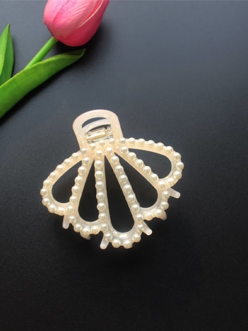 Cherry Blossom pink Cellulose Acetate Minimalist Geometric Imitation Pearl Jaw Hair Claw