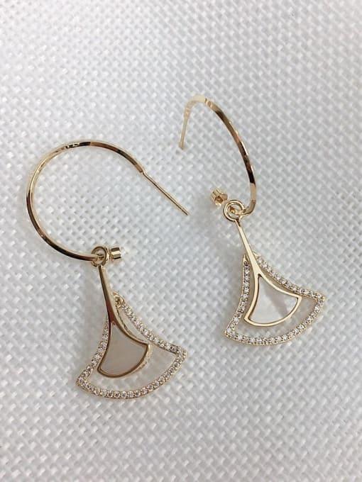 KEVIN Brass Shell Irregular Trend Hook Earring 1