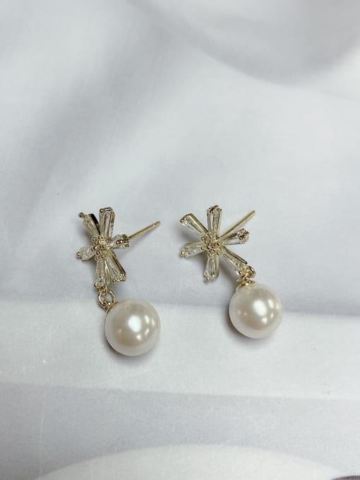KEVIN Brass Imitation Pearl Leaf Trend Drop Earring 1