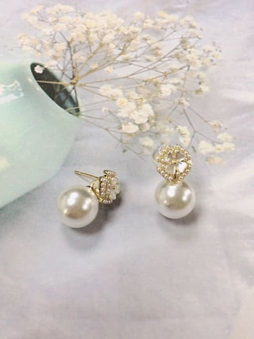 KEVIN Brass Imitation Pearl Flower Minimalist Stud Earring