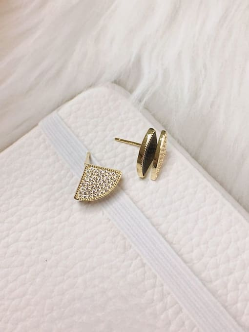 KEVIN Brass Shell Geometric Trend Stud Earring 2