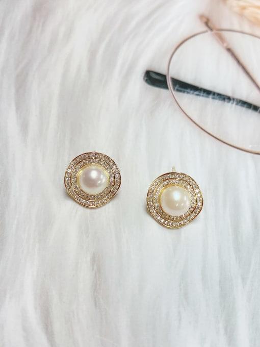White Brass Imitation Pearl Irregular Minimalist Stud Earring