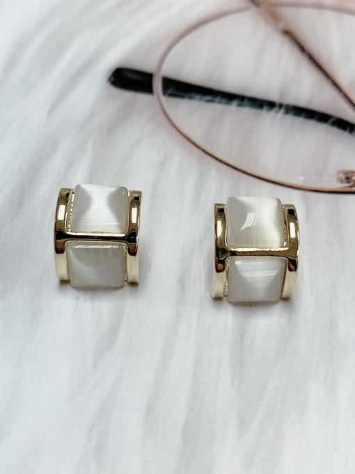 KEVIN Zinc Alloy Cats Eye Irregular Classic Stud Earring 0