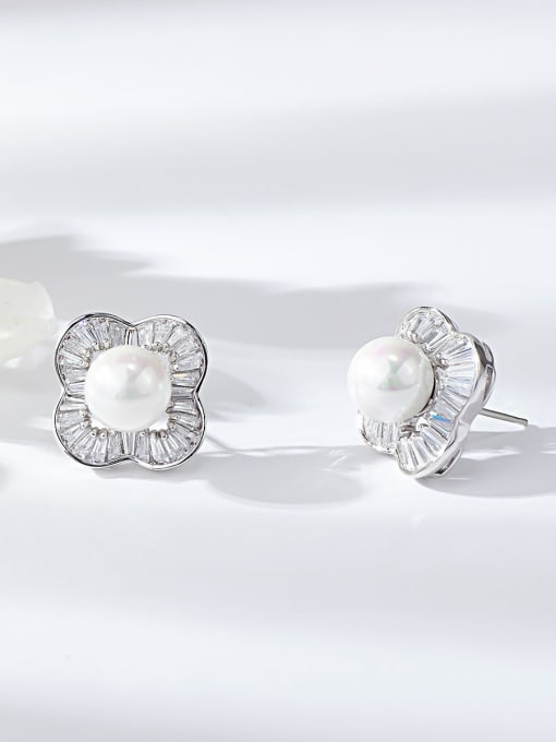 KEVIN Brass Imitation Pearl Clover Trend Stud Earring 0