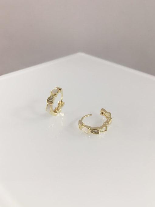 KEVIN Brass Shell Irregular Dainty Huggie Earring 1
