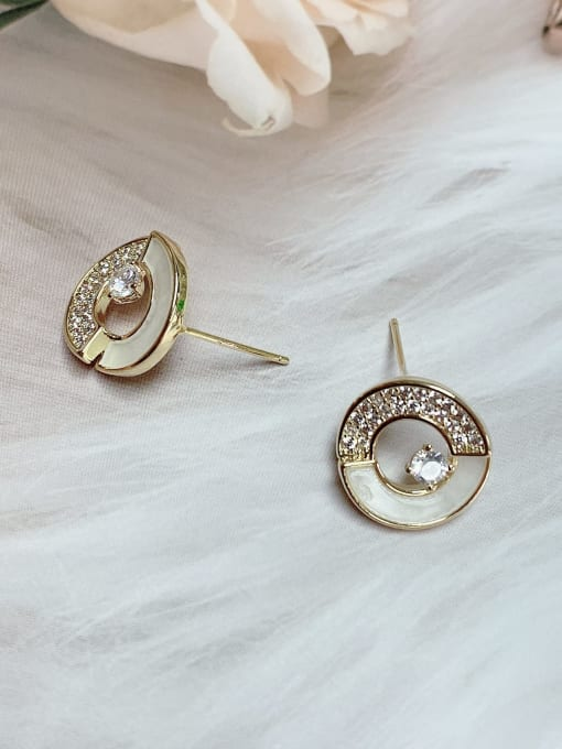 KEVIN Brass Shell Round Trend Stud Earring 1