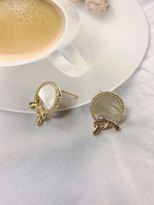 KEVIN Brass Shell Irregular Minimalist Stud Earring