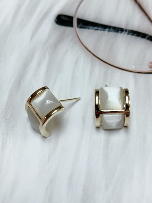 KEVIN Zinc Alloy Cats Eye Irregular Classic Stud Earring 1