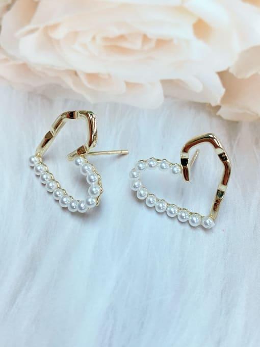 KEVIN Brass Imitation Pearl Heart Trend Stud Earring