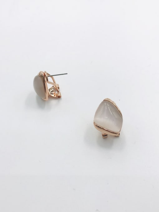 VIENNOIS Zinc Alloy Cats Eye White Irregular Minimalist Clip Earring 0