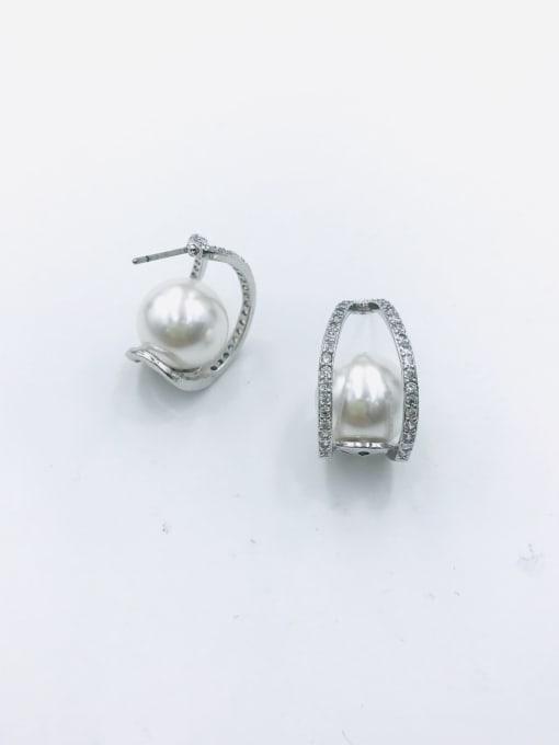 VIENNOIS Brass Imitation Pearl White Irregular Trend Stud Earring 0