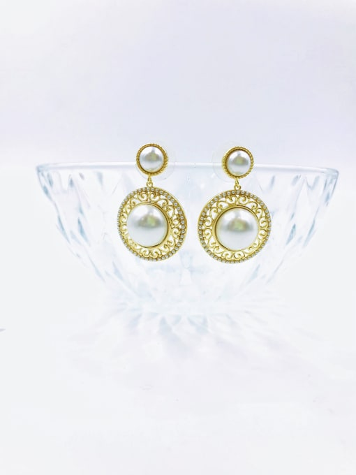 VIENNOIS Brass Imitation Pearl White Round Trend Drop Earring 0