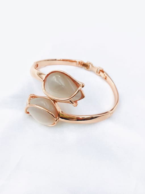 VIENNOIS Zinc Alloy Cats Eye White Flower Trend Band Bangle 0