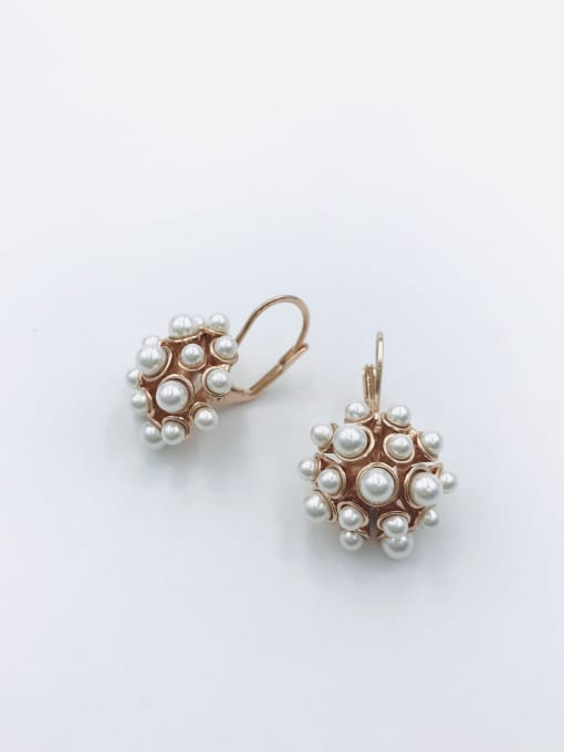 Rose Zinc Alloy Imitation Pearl White Irregular Trend Huggie Earring