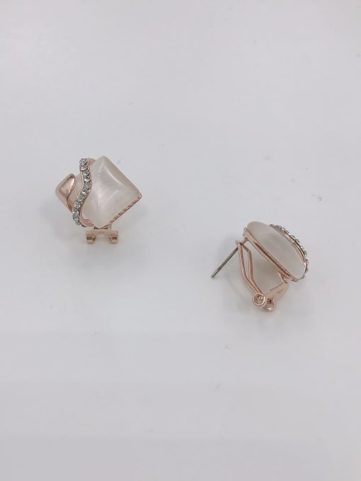 VIENNOIS Zinc Alloy Cats Eye White Irregular Classic Clip Earring