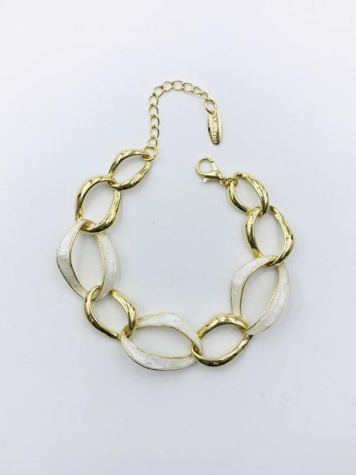 Gold Zinc Alloy Shell White Irregular Minimalist Bracelet