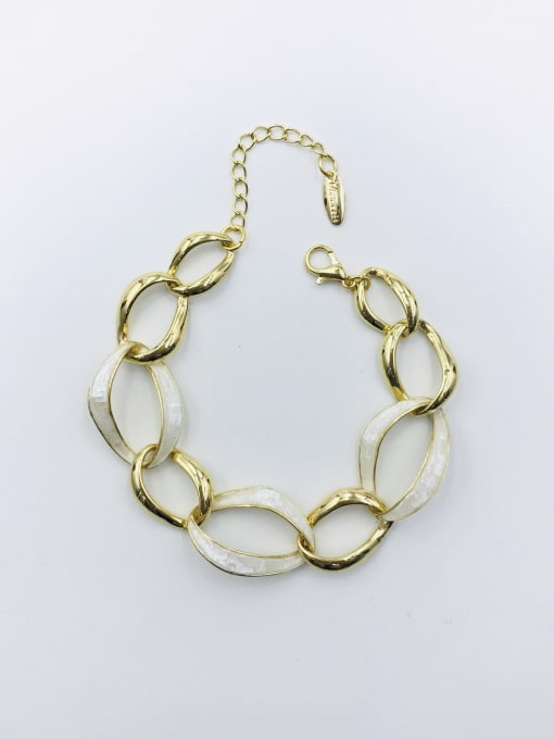 VIENNOIS Zinc Alloy Shell White Irregular Minimalist Bracelet 1