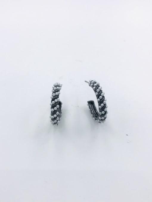 VIENNOIS Zinc Alloy Imitation Pearl White Hook Minimalist Stud Earring 1