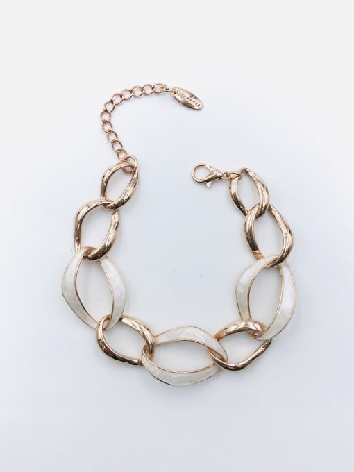 VIENNOIS Zinc Alloy Shell White Irregular Minimalist Bracelet