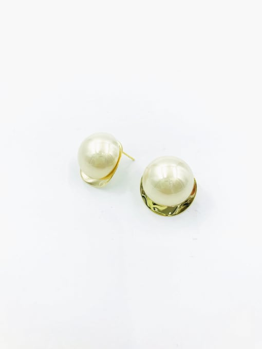 VIENNOIS Brass Imitation Pearl White Round Trend Stud Earring