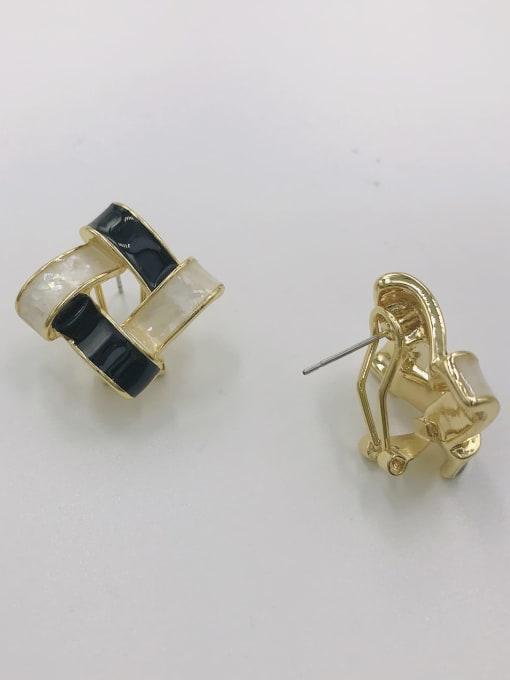 VIENNOIS Zinc Alloy Shell White Enamel Irregular Minimalist Clip Earring 0