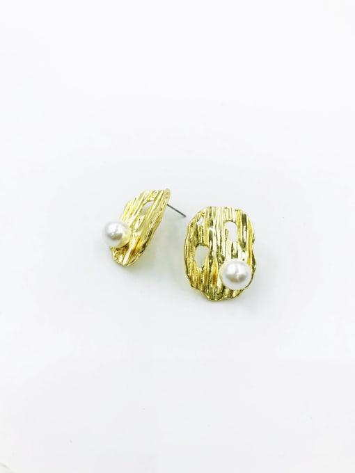 Gold Zinc Alloy Imitation Pearl White Irregular Statement Stud Earring