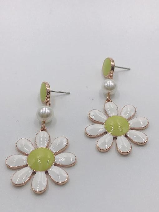 VIENNOIS Zinc Alloy Imitation Pearl White Enamel Flower Trend Drop Earring 1