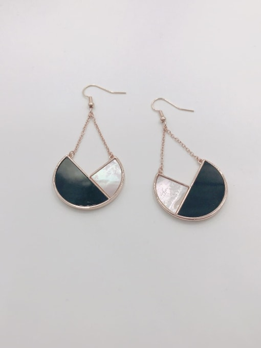 Rose Zinc Alloy Shell White Acrylic Geometric Statement Hook Earring