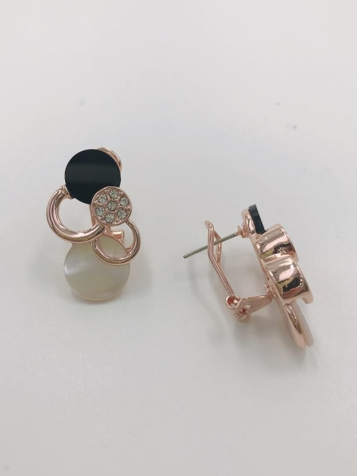 Rose Zinc Alloy Shell White Acrylic Round Classic Clip Earring