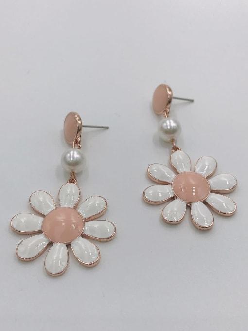 VIENNOIS Zinc Alloy Imitation Pearl White Enamel Flower Trend Drop Earring 2