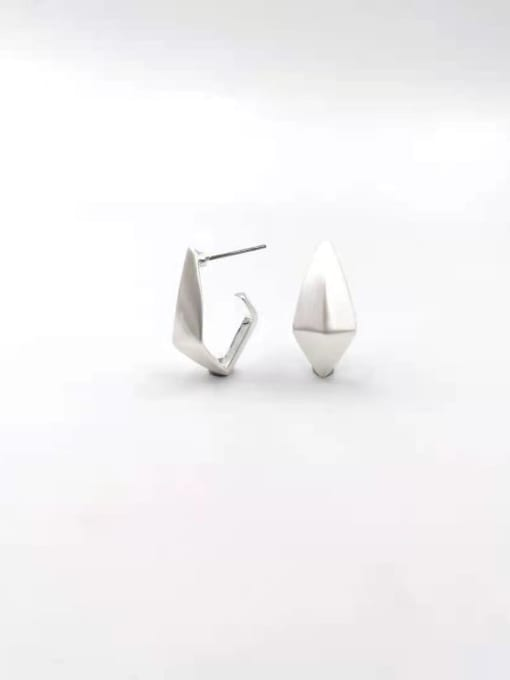 VIENNOIS Zinc Alloy Geometric Minimalist Stud Earring 1
